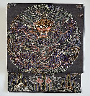 紗地龍の刺繍袋帯