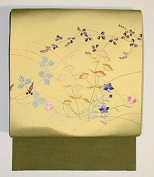 秋草の刺繍開き名古屋帯