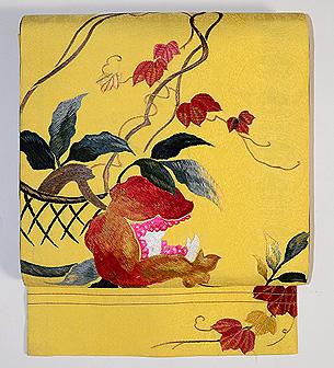 柘榴刺繍名古屋帯