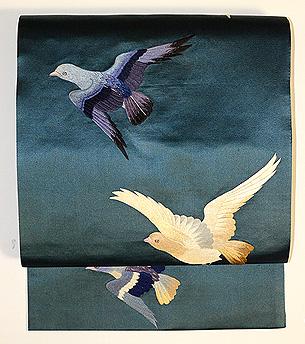 鳩の刺繍開き名古屋帯
