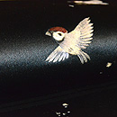黒繻子に雀の刺繍名古屋帯 質感・風合