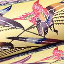 琉球風景に鳥の図本紅型開き名古屋帯  質感・風合