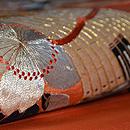 笙と桜の刺繍開き名古屋帯 質感・風合