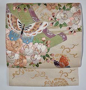 蝶に桜の図刺繍名古屋帯
