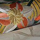 芭蕉と鉄線連刺繍丸帯 質感・風合