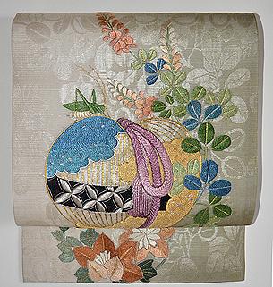 薬玉に螽斯の図刺繍名古屋帯