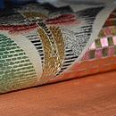 アールデコりんどうに蜻蛉の図絽刺繍名古屋帯 質感・風合
