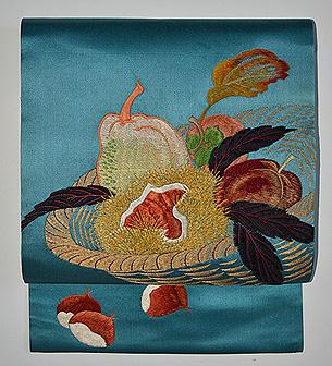秋の成り物刺繍名古屋帯