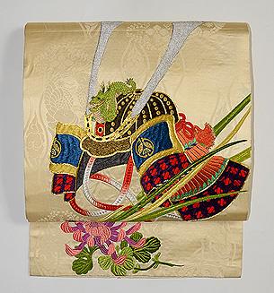 兜の刺繍袋帯