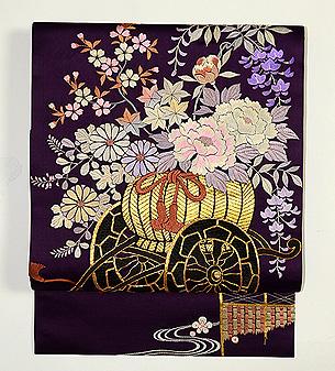 紫地花車の開き名古屋帯