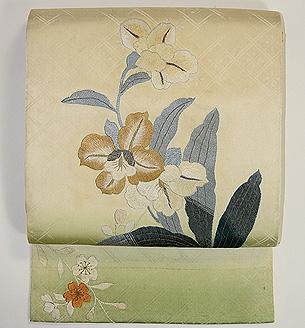 春蘭刺繍の袋帯