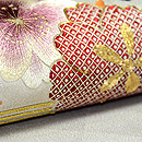 桜と藤の刺繍開き名古屋帯  質感・風合