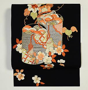 貝桶に桜の図名古屋帯
