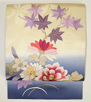 ぼかしに菊と紅葉刺繍名古屋帯