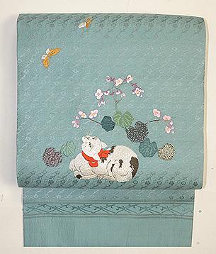 秋海棠に猫刺繍の名古屋帯