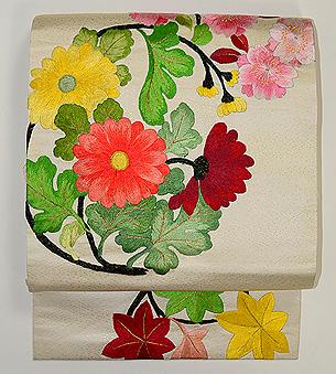 桜と菊丸紋の刺繍名古屋帯
