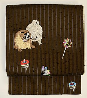 子犬におもちゃ尽くし刺繍名古屋帯