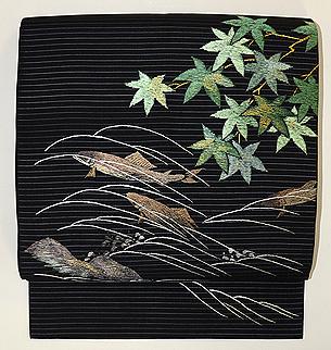 楓に鮎の刺繍名古屋帯