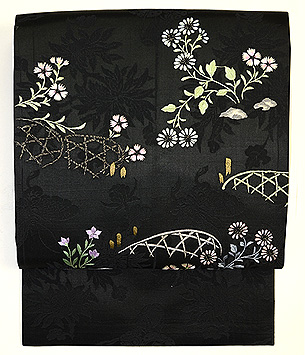 蛇籠に秋草の刺繍名古屋帯