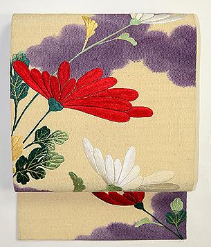 菊の刺繍の名古屋帯