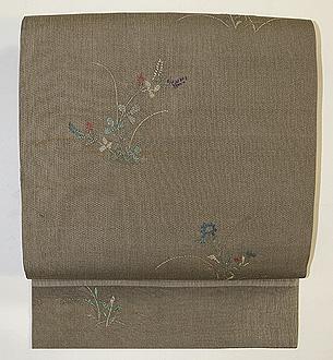 秋草の竹屋町風刺繍名古屋帯