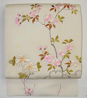 桜に菊の刺繍名古屋帯