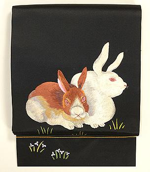 二羽の兎の図刺繍名古屋帯