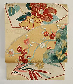 扇面に椿、梅、小菊刺繍袋帯