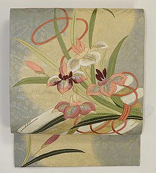 菖蒲の花束の図刺繍名古屋帯