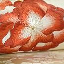 抹茶ぼかし牡丹の図刺繍名古屋帯 質感・風合