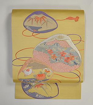 貝合わせの図刺繍名古屋帯