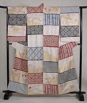 本疋田と緞子織りの段替わり訪問着