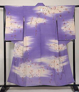 紫の霞に枝垂れ桜の訪問着