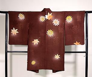 栗色に紅葉と菊の羽織