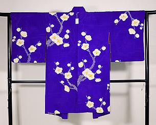紫地疋田に梅の絞り模様羽織