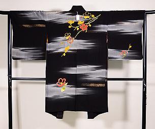 黒地霞に梅・椿の羽織