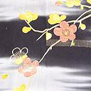 黒地霞に梅・椿の羽織 質感・風合