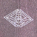 黒地霞に梅・椿の羽織 背紋