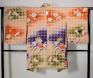 網代紋に梅、菊、紅葉の羽織