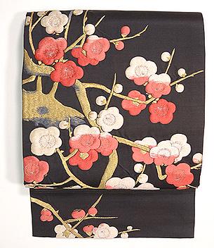 黒地紅白梅刺繍開き名古屋帯