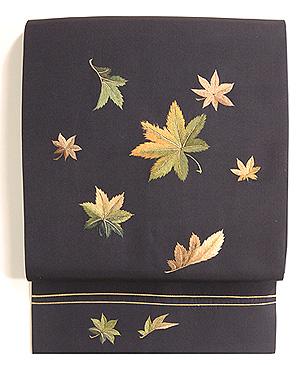 紅葉散らし刺繍の名古屋帯