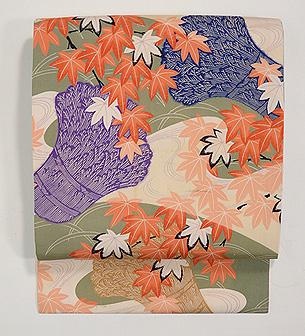 藁の束に紅葉の図名古屋帯