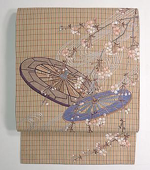 枝垂れ桜に車輪刺繍帯