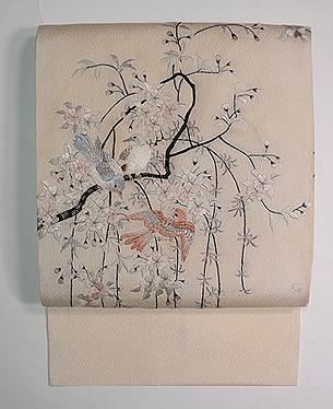 枝垂れ桜に群れる小鳥の名古屋帯