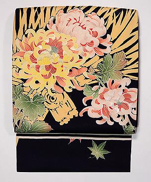黒地大輪菊の名古屋帯