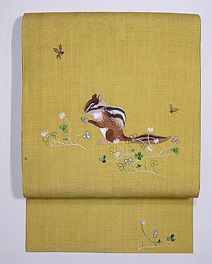 シロツメクサに子リスの刺繍名古屋帯