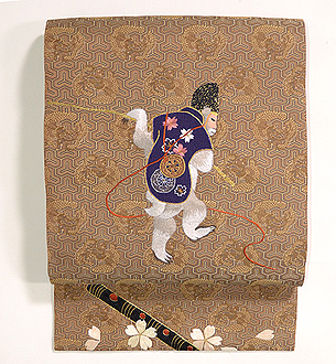 靭猿(うつぼさる)に桜刺繍開き名古屋帯