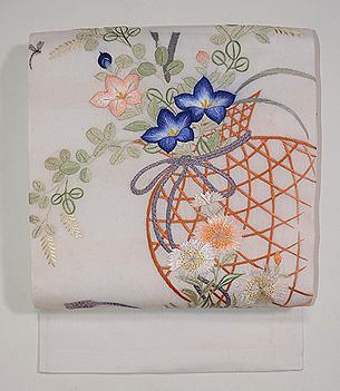 白地花籠の刺繍名古屋帯