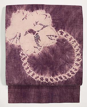 紫根染め桜の絞り名古屋帯