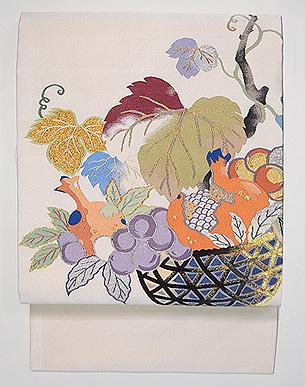 フルーツ柄の綴れ名古屋帯